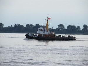 Der Traditionsschlepper Fairplay VIII auf der Elbe
