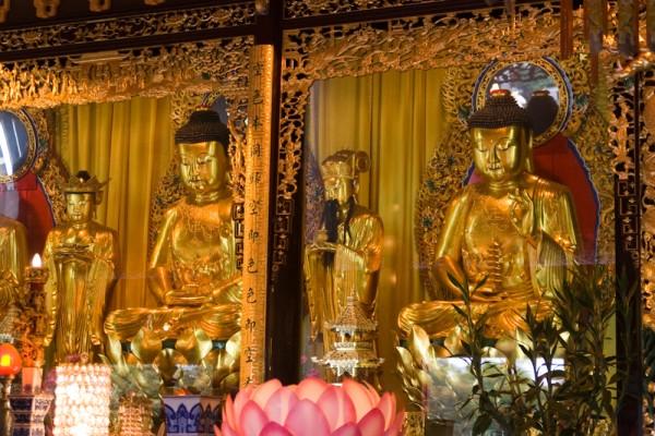 Buddha-Statuen im Po Lin Kloster, Lantau Island