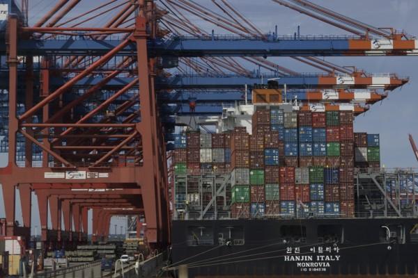 Auge in Auge mit den Container-Giganten