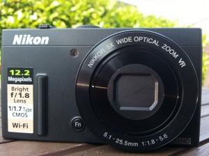 Nikon Coolpix P340 von vorne
