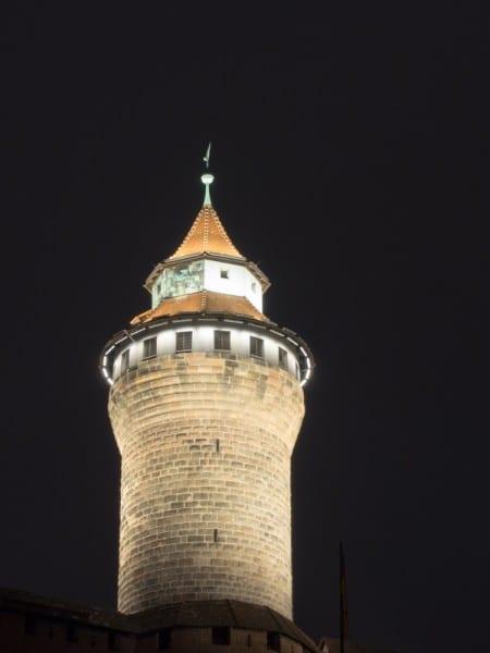 Kaiserburg Nürnberg bei Nacht fotografiert